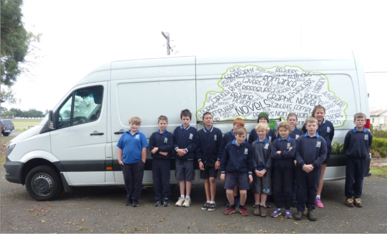 Picture van with students